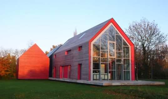 The Sliding House in Suffolk, UK